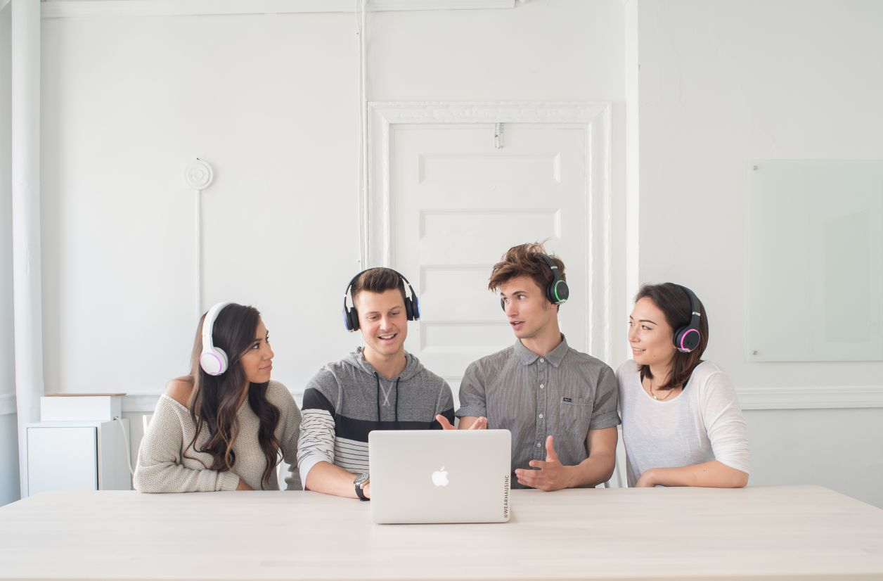 Wearhaus ARC, un casque Bluetooth pour écouter facilement de la musique à deux